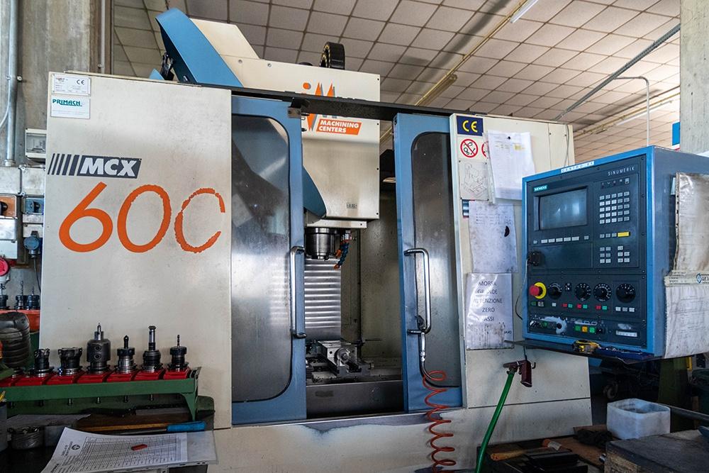 2 MV - Costruzioni Meccaniche - macchinari - FAMUP 600